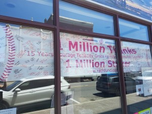 1 Million Thanks sign